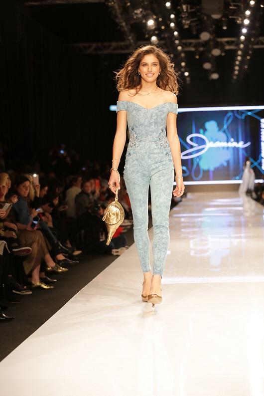 שלומית מלכה פרזנטורית FOX בשבוע האופנה גינדי צילום אבי ולדמן