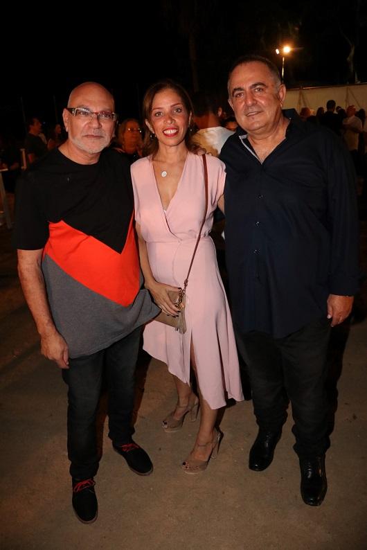 מימין דוד גולברי עם נעמי סימן טוב ומשה רוזנבלום צילום ניר פקין