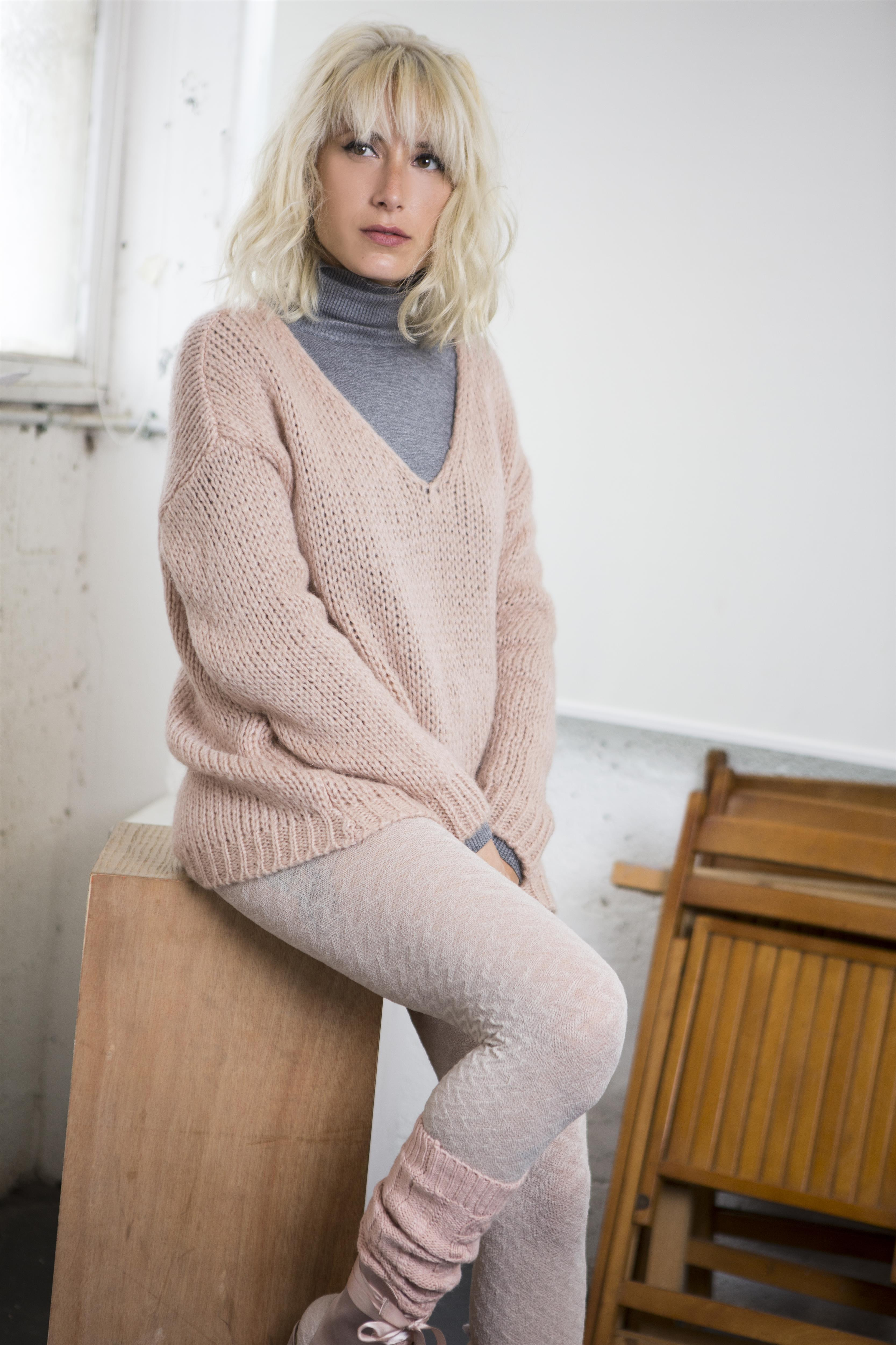 SQ1 fw2017-18 knit 490 nis after discount 320 nis photo Dana Keren