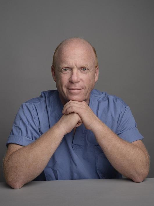 דר יורם וולף, רופא מומחה בכירורגיה פלסטית ויור האיגוד הישראלי לכירורגיה פלסטית ואסתטית