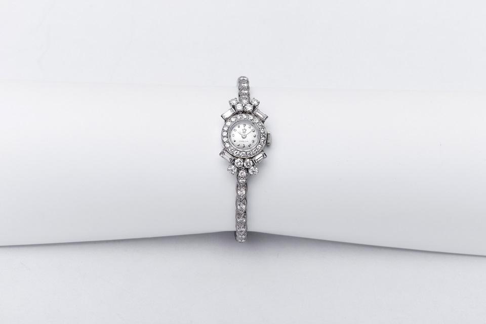 ניקול קידמן עונדת שעון יוקרתי של אומגה משנת 1953. צילום- יחצ חול