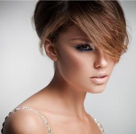 יניב קצב מציג - מראה איפור ושיער בסגנון ריהאנה
