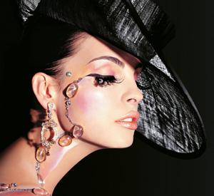 מאדינה מילאנו Super Glam - מראה איפור סילבסטר 2010