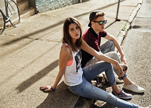 קולקציית האופנה של AMERICAN EAGLE OUTFITTERS