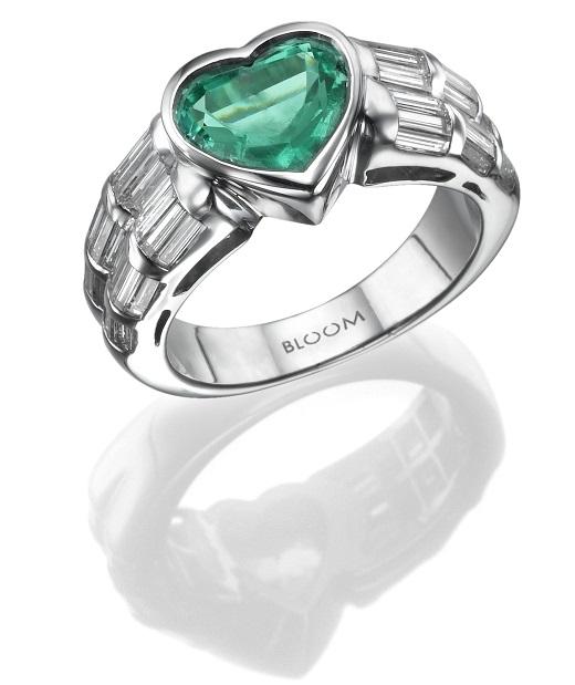 טבעת לב אמרלד, 11,700  שח, להשיג ב- BLOOM , יחצ
