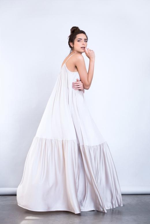 שמלת מקסי מבית המותג racheli fashion, 820 שח במקום 1200 שח, להשיג ביריד Unlimited Fashion (28-29.7), צלם BRUSHEL
