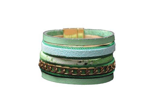 צמיד עור, 99 שח, להשיג ברשת חנויות קמדן אנד שוז ובאתר www.Camden.co.il, צלם אושרי תורתי