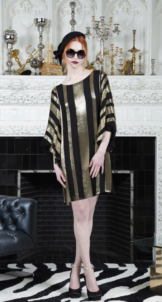שמלת מיני עם שרוול מתרחב בשחור וזהב