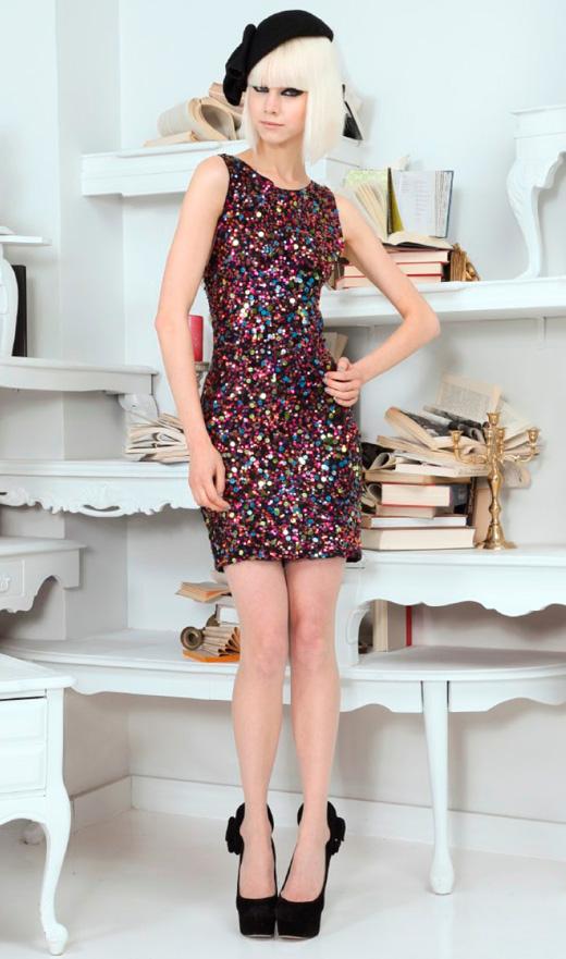 שמלת מיני פאייטים צבעונית