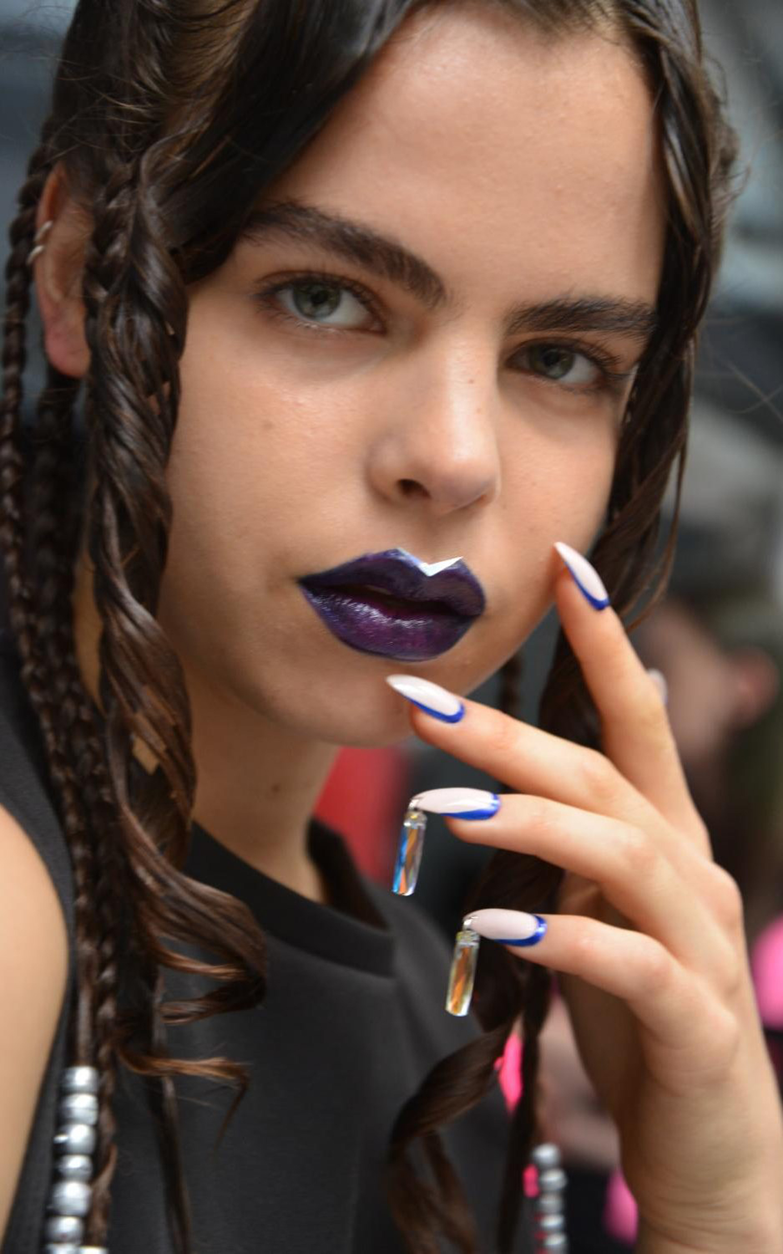 Fyodor_Golan_SS17_by_ORLY_-_The_Chandelier_Nail