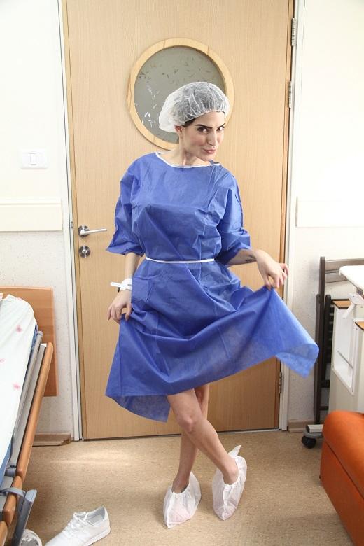 מתבדחת ליטל סמג'דה לפני הניתוח צילום אסף לב