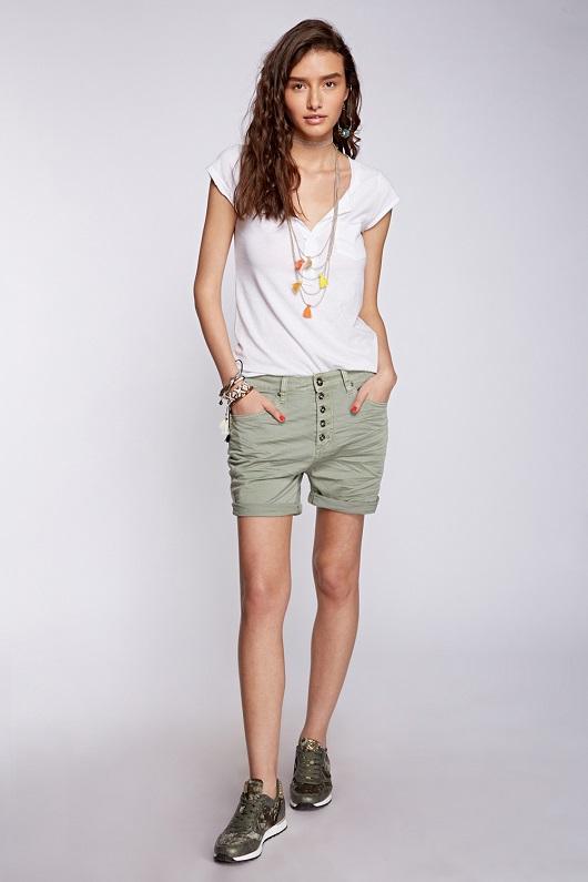 לי קופר - חולצה 119.90 שח , מכנסיים  מחיר 169.90 שח צילום הילה שייר