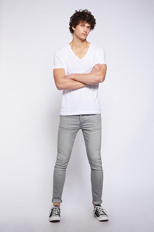 SLIMLAD לי קופר גברים ג'ינס מחיר 299.90 שח צילום הילה שייר