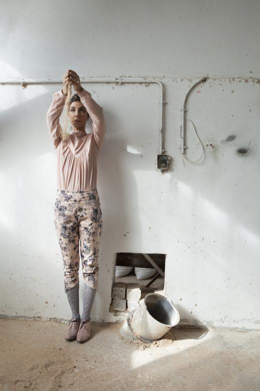 מיזו מכנסיים 389 שח חולצת משי 449 שח צילום רוני כנעני