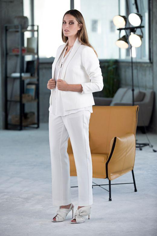 ONOT חורף 17 גקט לבן 359.90 שח, מכנסיים 299.90 שח, חולצה 239.90 שח צילום שי יחזקאל