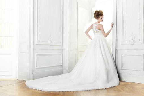ענקית אופנת שמלות הכלה נוחתת בישראל.