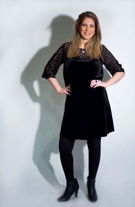 הילה שוסטר מדגמנת שמלה של המעצבת טלי אימבר.צילום מאיה שוהם