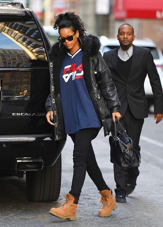 ריהאנה נועלת טימברלנד צילום יחצ חול