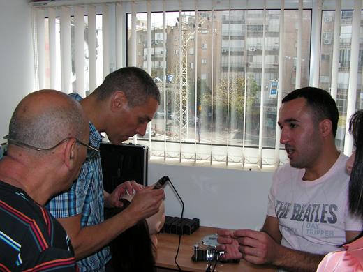 אופיר ונלי ישראלוב לומדים יחד עם עמוס גנור