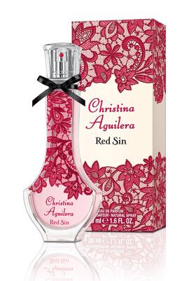 """הבושם החדש של כריסטינה אגילרה. צילום: יח""""צ חול"""