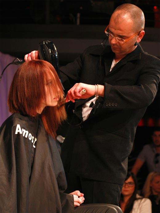 מעצב השיער עמוס זרד נהנה מהעשייה
