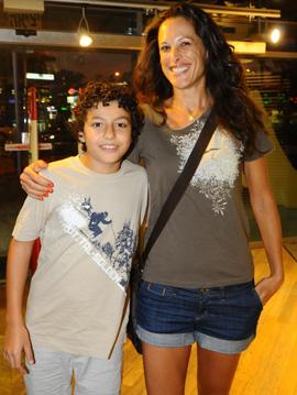 ענת הראל והבן תומר. צילום: ברק פכטר