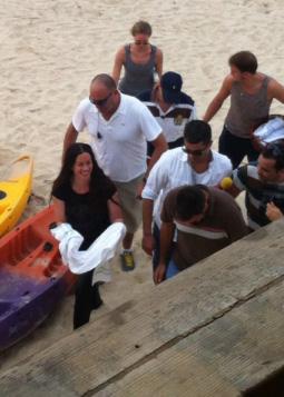 אלאניס מוריסט על החוף. צילום: מיכל לוגסי.