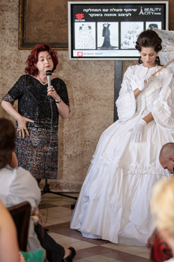 """במסגרת הביוטי סיטי תוצג התערוכה  """"ממארי אנטואנט להוט קוטור""""  ותערך תצוגה אופנה """"הומאז' לשמלה השחורה"""" בעיצוב סטודנטים מהמחלקה לעיצוב אופנה בשנקר"""