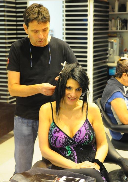 דבי מהמירוץ למיליון אצל מעצב השיער אילן מרגלית