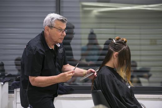 יגאל סיץק בקורס באקדמיה של לוריאל