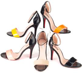 פיפטואו, סטילטו ומה שביניהם - נעלי לורן
