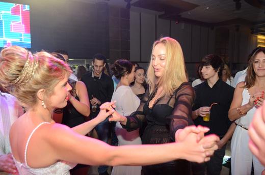 כיכבה ברחבת הריקודים. בוהדנה והכלה שמרית.. צילום: תומר סבג