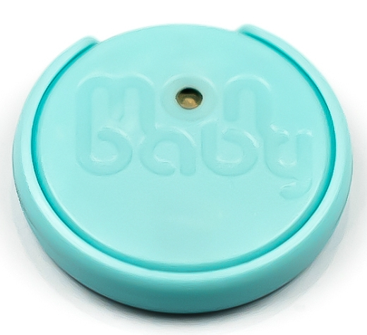 כפתור חכם לתינוק  MONBABY- כפתור חכם המוצמד לבגד התינוק צילום: ניר עצמון