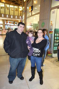 מיטב הסלבס וילדיהם הגיעו לחנות לרכוש בגדי חורף