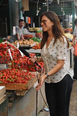 נלה גולדברג בשוק. צילום: ברק פכטר