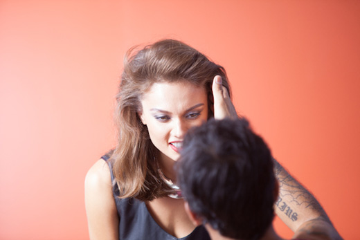 הדוגמנית יבה דון על הסט. צילום: סטודיו רון קדמי