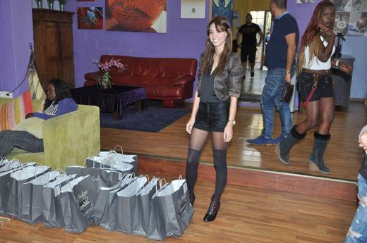 בתמונה רוסלנה רודינה בבית השנטי