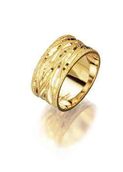 רויאלטי משיקה קולקציית טבעות נישואין לעונת החתונות 2013