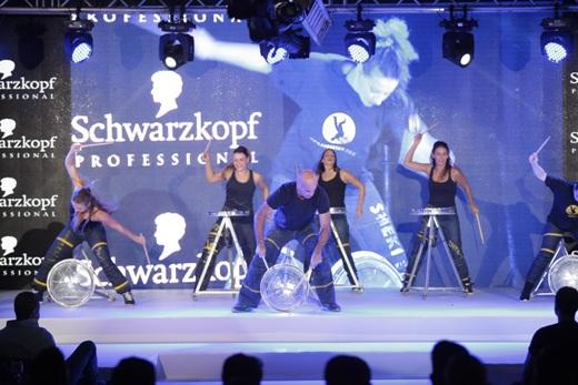 להקת שקטק באירוע הגדול של שוורצקופף פרופשיונל
