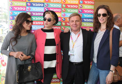 בוקר של צבע ואופנה - יעל גולדמן, מיכאל אלוני, מיה דגן ויעל פוליאקוב. צילום: אבי ולדמן