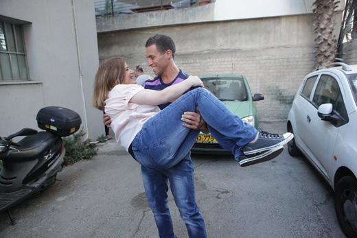 מייקל ושירלי בצילומי קמפיין של TNT