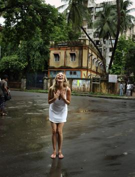 יעל בר זוהר בהודו. צילום: אייל נבו