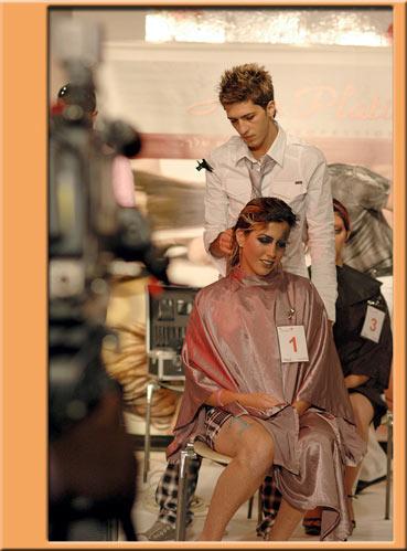 איציק חסווה מעצב שיער אשר עובד כשכיר במספרה של ניסו אשכנזי בחולון השתתף בתחרות שיער