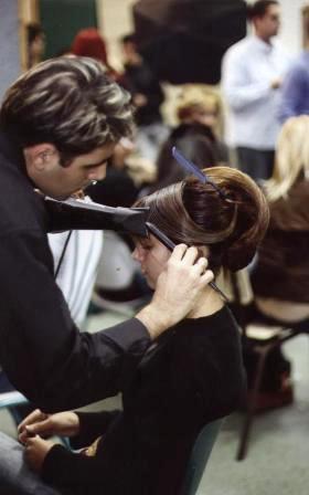 הוא פתח - מעצב השיער ואמן התסרוקות אורן ישראל