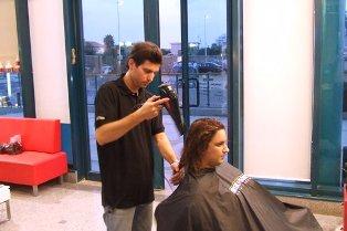 שלבי ההכנה לקראת עיצוב השיער בפן