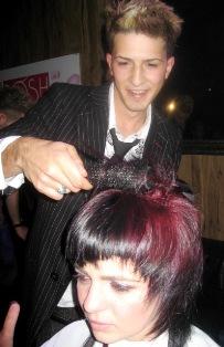 מעצב השיער איציק חסווה לניסו אשכנזי חולון
