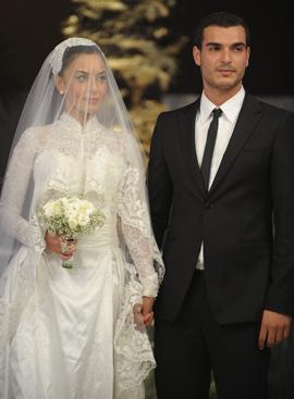 מאיה בוסקילה ובעלה מתן כהן מתחת לחופה