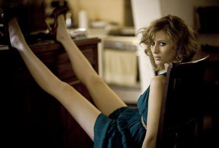 הזמרת אמילי קרפל