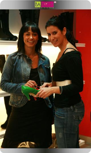 שרון איילון קיבלה נעליים במתנה