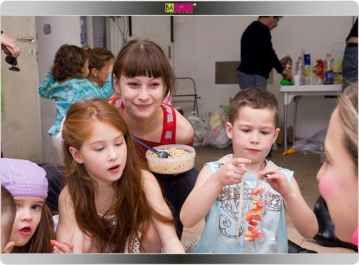 קדס קידס - ילדי סלבס. לוסי דובינצ'יק והאחות הקטנה.